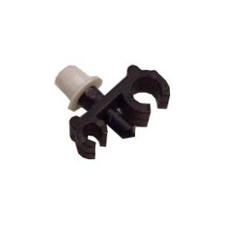 Attache plastique tuyau essence + freinage